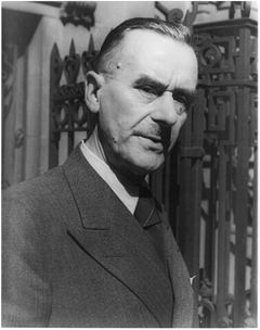 Thomas Mann (Source: Library of Congress, Prints and Photographs Division, Van Vechten Collection, reproduction number LC-USZ62-42522 DLC)